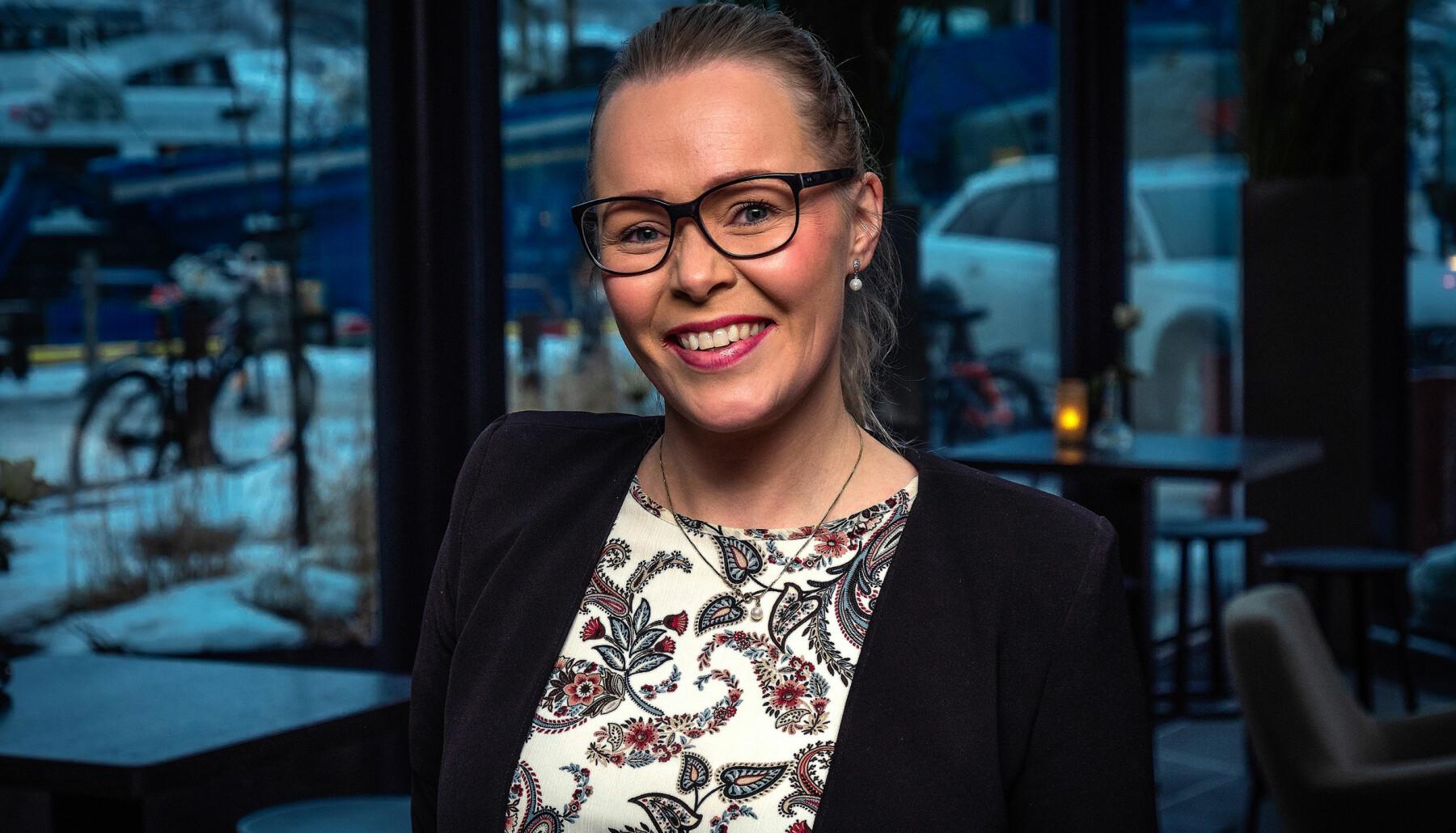 HELT SJEF: Ida Kristine Jakobsen (33) ble hotelldirektør på Clarion The Edge i Tromsø vinteren 2019, og rakk et års normal drift før pandemien rammet. Nå gleder hun seg til å vende tilbake til normalen igjen.