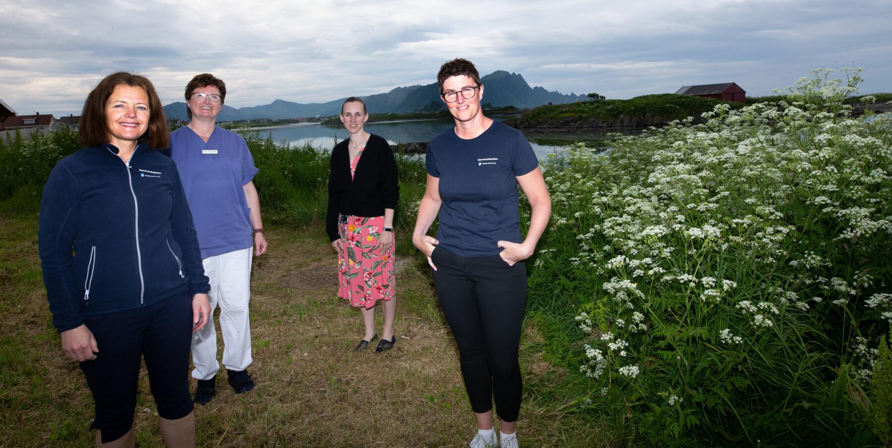 Rita Fjellvang (t.v.), Ann Christin Hansen og Camilla Laupstad (t.h.) søker ny sjef – og etterfølger til Guro Karlsen (bakerst).