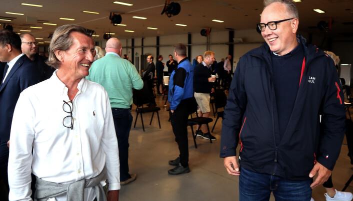 Teco-sjef Tore Enger (t.v.) fikk en e-post fra Håvard Hjallar og Espen Knutsen (ikke til stede), hvor budskapet var klart: – Vi har fabrikk. Ta med kaffetrakter!