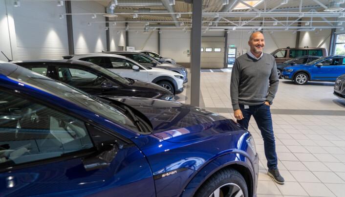 Bruktbilmarkedet består av alt fra gamle travere til nesten nye millionbiler.