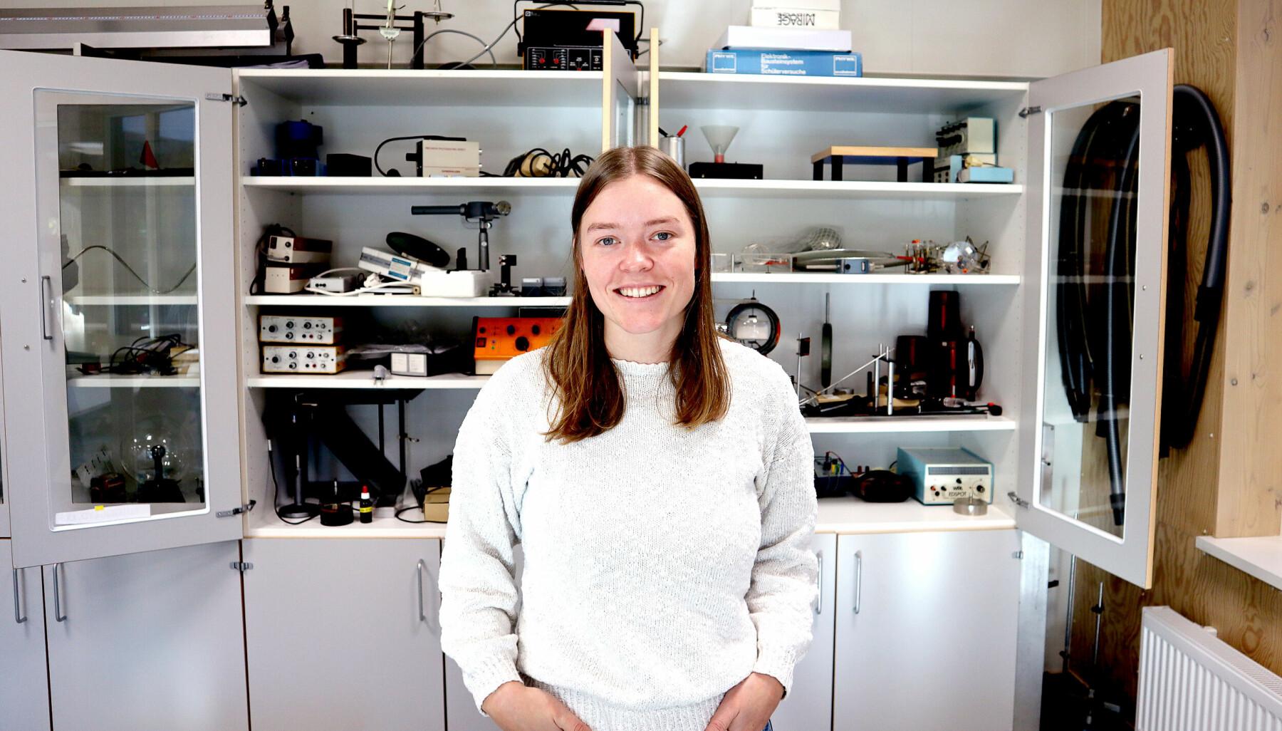 Alise Kløvstad jobber som fysikklærer på Hadsel videregående skole.